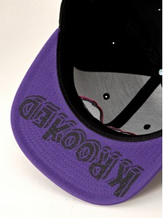 KROOKED kšiltovka EYES SNAP BLK/PURPLE