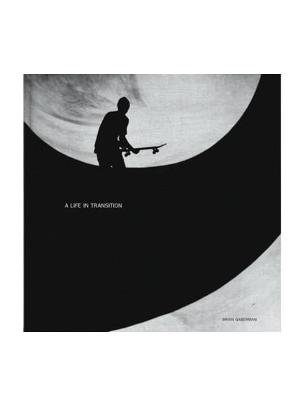 Element Kniha Life In Transition Blk černá